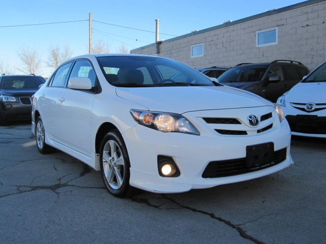 Visit Auctionexport Make Toyota Model Corolla Base S Le Xle Year 2017 Mileage 189094 Exterior Color White Interior Black Drivetrain
